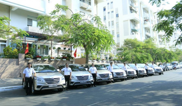 Car rental service from Ha Noi to Ninh Binh City